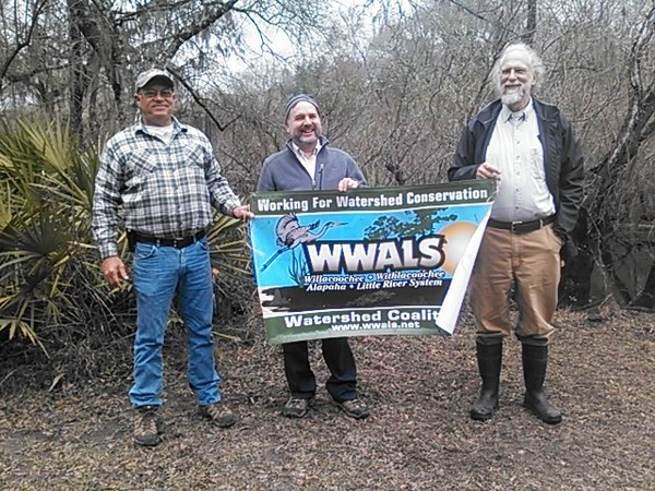 600x450 Dan Coleman, Don Thieme, John S. Quarterman, WWALS banner at Cherry Creek Sink 30.902187, -83.31217, in Sinkholes near the Withlacoochee River, by John S. Quarterman, for WWALS.net, 18 February 2015