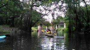 Movie: paddling to the bridge sign (27M) 30.8912372, -83.3198776