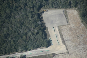 Digging equipment & portapotty, Suwannee River HDD, 30.4066500, -83.1515310