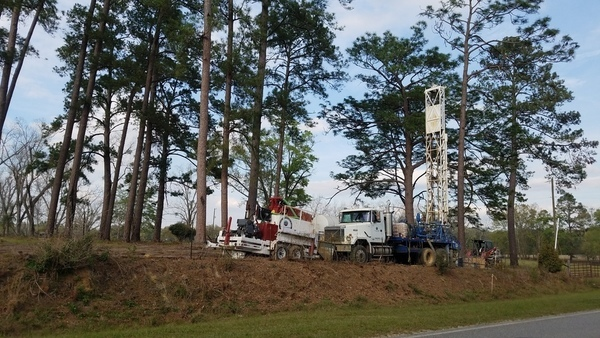 Well drilling equipment, Knights Ferry Road,