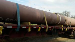 Movie: Green and red pipe on Troy truck, Gary Lane (97M) 30.7652375, -83.4158111