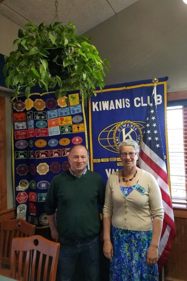 Wade Kruger of Kiwanis and Gretchen Quarterman of WWALS