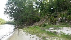 Pipeline sign on Hamilton County bank, 30.4078446, -83.1562447