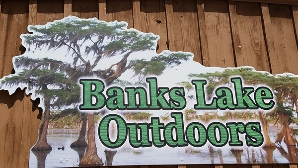 Banks Lake Outdoors sign