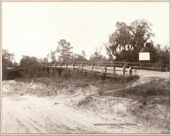 [Withlacoochee Bridge constrd 1895 ca 1930s just below Clyattville, GA-31 to Madison FL, ca 1940]