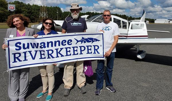[Lisa Ring, Ciera Smith (Al Lawson), Suwannee Riverkeeper, pilot Allen Nodorft (Southwings) 2020-10-05]