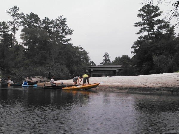 600x450 Beach at site of planned Naylor Park, in Alapaha River Outing, by John S. Quarterman, for WWALS.net, 24 August 2014