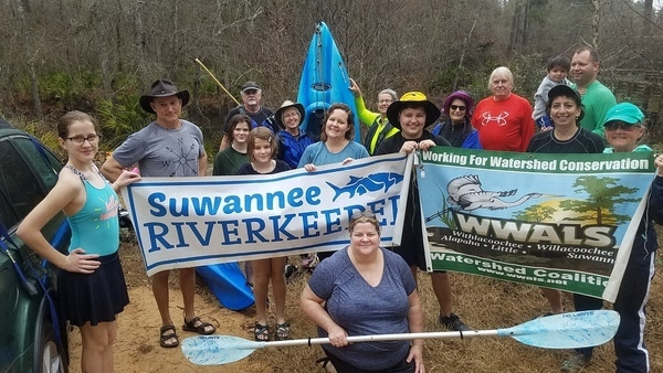 paddlers and banners