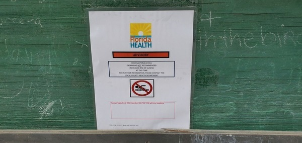 [Florida Health Advisory on kiosk]