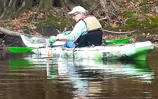 [Gretchen Quarterman testing during Mayor's Paddle (Suzy Hall)]