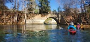 [Gretchen under the US 27 bridge, 13:19:26, 29.9521879, -82.7863001]
