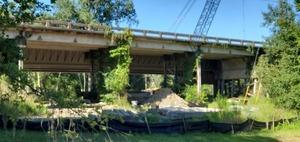 [Bridge construction, 2020:07:19 09:36:37, 30.2448046, -83.2489106]