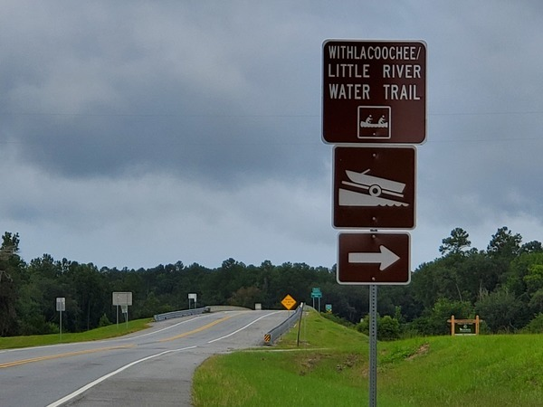 [Withlacoochee & Little River Water Trail sign, 10:40:50, 30.6392174, -83.3107590]