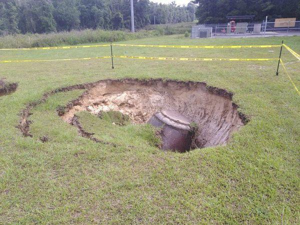 [VDT, collapsed manhole, Terry Richards]