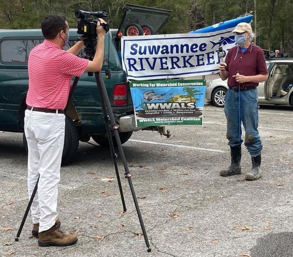 [Suwannee Riverkeeper interviewed by WJCB, Photo: Gretchen Quarterman]