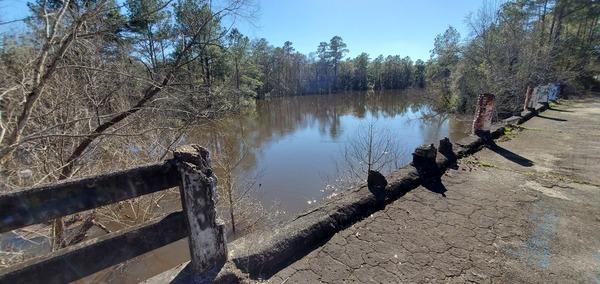 [Not Spook Bridge: inland bridge in Brooks County]