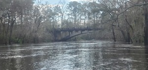 [Bobby under Spook Bridge, 12:44:01, 30.7908290, -83.4521411]