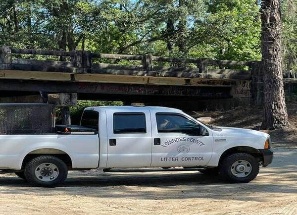 [Lowndes County Litter Control]