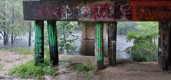 [River under bridge, 09:02:47, 30.6749591, -83.3942053]