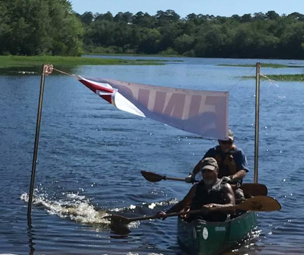 [Tandem male canoe, green (BW)]