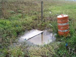 Another access panel 30.8926258, -83.3194580