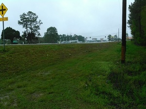 Clearly some people drive down from the US 41 right of way 30.8943024, -83.3198547